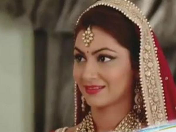 25 1493119483 pragya Kumkum Bhagya: SHOCKER! Pragya's Woes Continue; Abhi To Divorce Pragya!