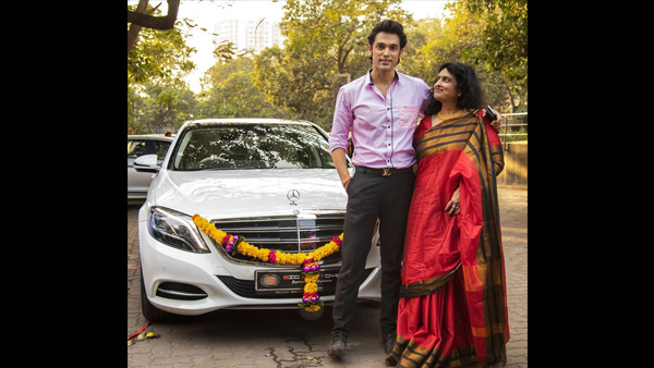 Parth Poses With His Mom