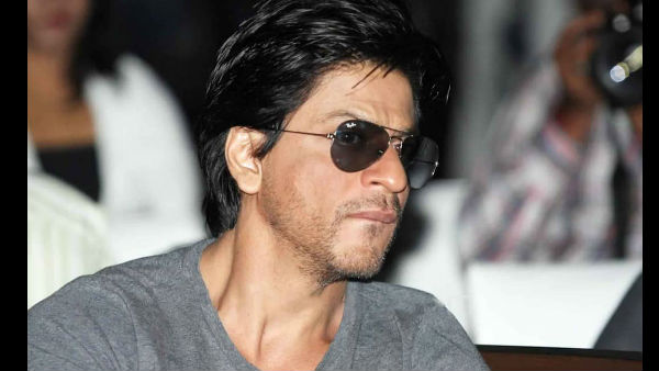 Shah Rukh Khan Gives A Witty Reply To A Fan Who Asks If He Is An Egoistic Actor!