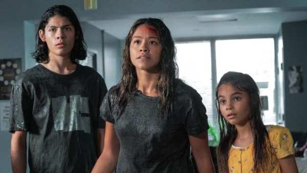 Awake Movie Review: Netflix's Latest Bird-Box Thriller Has A Good Story Hidden In The Details