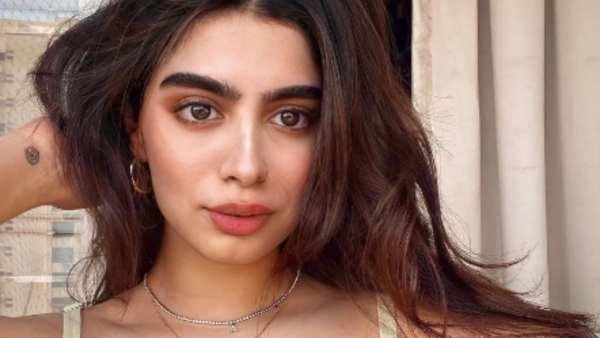Khushi Kapoor Is Giving Urban Chic Girl Vibes In Lavender Bikini Navya Nanda & Shanaya Kapoor React