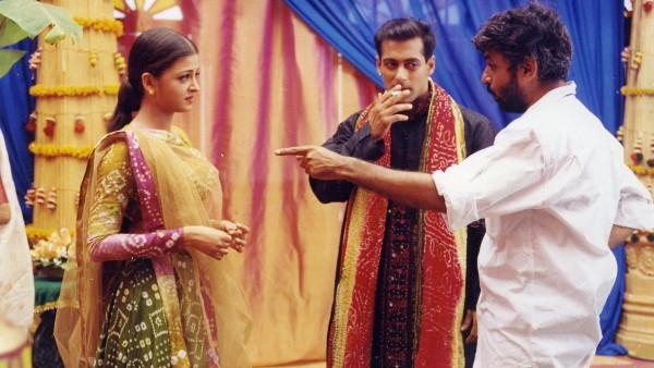 Unseen Photos Of Aishwarya Rai Bachchan & Salman Khan From Hum Dil De Chuke Sanam Sets Are Sight For Sore Eyes