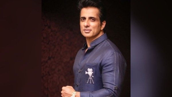 Sonu Sood To Set Up 18 Oxygen Plants Across India news of bollywood