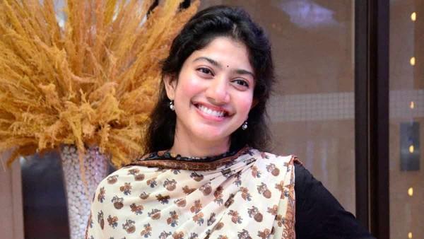 Sai Pallavi Reveals That She Did Not Kiss Naga Chaitanya In Love Story