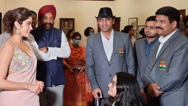 Janhvi Kapoor Meets Paralympians At A Felicitation Ceremony For Their Historic Performance At Tokyo Olympics