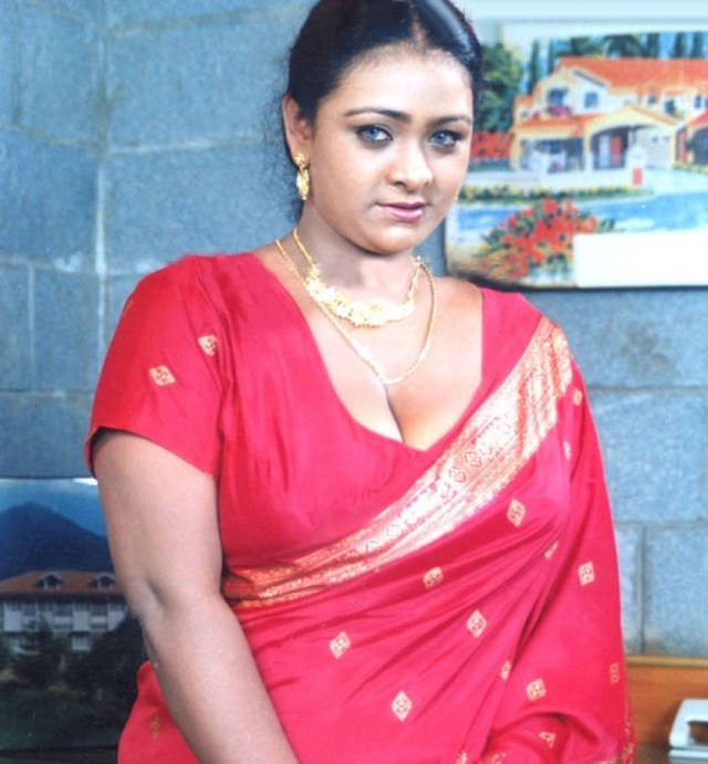 Shakeela Photos Hd Latest Images Pictures Stills Of Shakeela Filmibeat