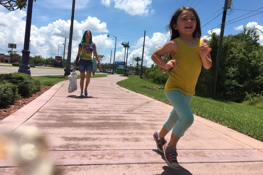 THE FLORIDA PROJECT: Just Outside The Greatest Place On Earth