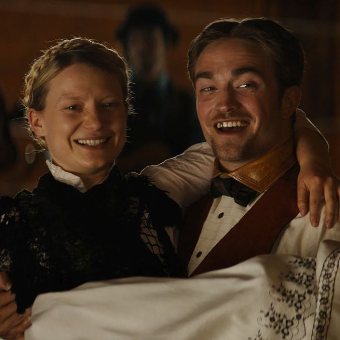DAMSEL: Robert Pattinson Shines In An Aimless Western Parody