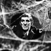 MASTER OF SHARKOWS DARK: مشغول ادای احترام به تلویزیون Auteur Dan Curtis