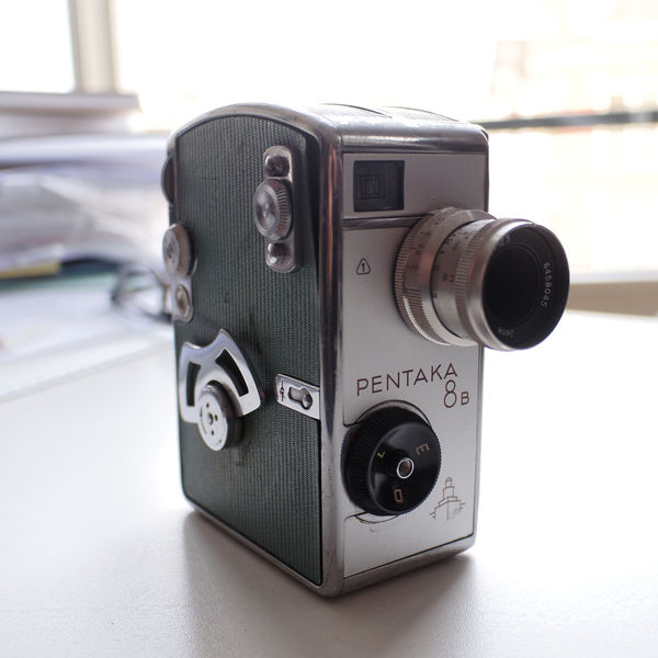 Pentaka 8b, ostdeutsche Normal 8-Kamera mit Carl Zeiss Jena-Wechselobjektiven