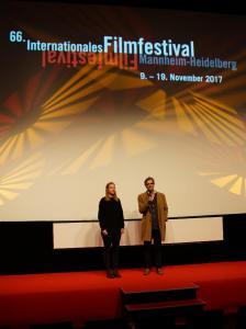Regisseur Peter Ott (r.)