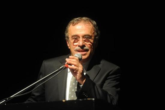 Şevket-Altuğ-Kemal-Sunal-ı-Anarken