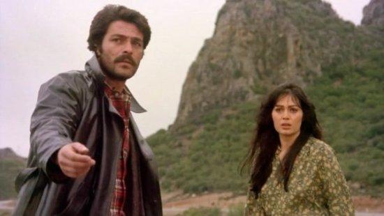 selvi-boylum-al-yazmalim-turk-sinemasi-en-iyi-2-filmloverss