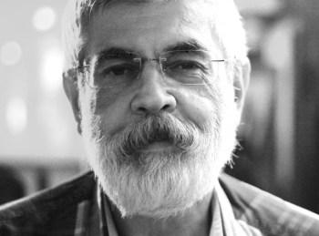 1978 yılından beri gazetecilik yapan Dç. Dr. Mehmet Sağnak; birçok yayın kuruluşunda editör, haber müdürü, genel yayın yönetmeni gibi görevlerde bulundu. Medyapolitik, Son Dakika - Haberin Televizyonlaştırılması gibi eserleri de bulunan Sağnak, şu an Bahçeşehir Üniversitesi, Gazetecilik Bölüm Başkanı olarak görev hayatına devam etmektedir.