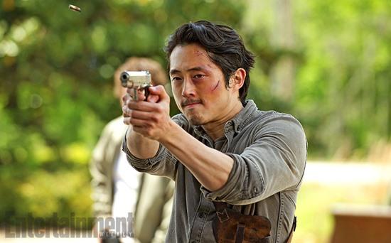 Steven-Yeun-Glenn-Walking-Dead-Filmloverss