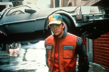 michael-j-fox-back-to-the-future-delorean-filmloverss