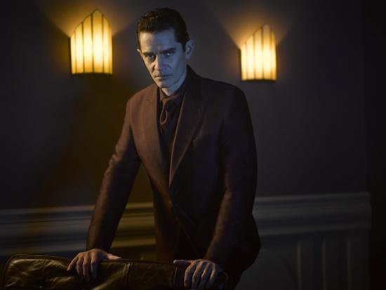 Gotham-Season-2-James-Frain-Theo-Galavan-Filmloverss