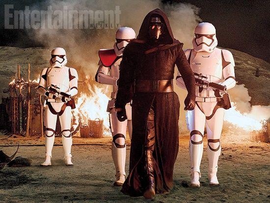 Star-Wars-The-Force-Awakens-Adam-Driver-Kylo-Ren-Stormtroopers-Filmloverss