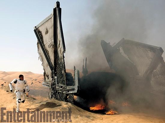 Star-Wars-The-Force-Awakens-John-Boyega-X-Wings-Filmloverss