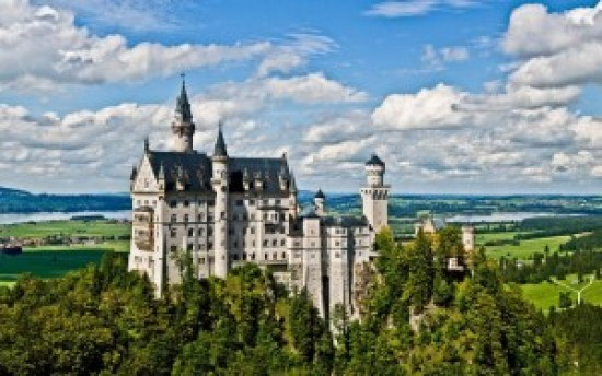 neuschwanstein-castle-sleeping-beauty-filmloverss