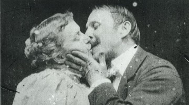 May-Irwin-John-C.-Rice-Kiss-1896-opusme-sahneli-ilk-film-filmloverss