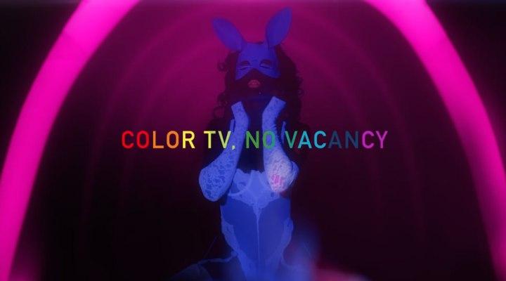 color - tv - no - vacancy - filmloverss - 1