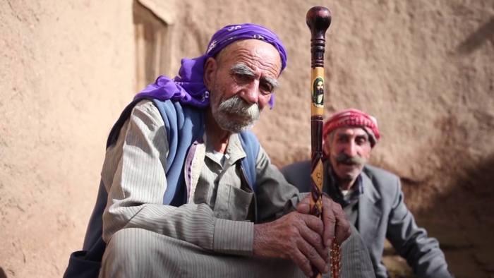 Sağdaki Bakir Polat, soldaki Hüseyin Amca (Kısas, Şanlıurfa)