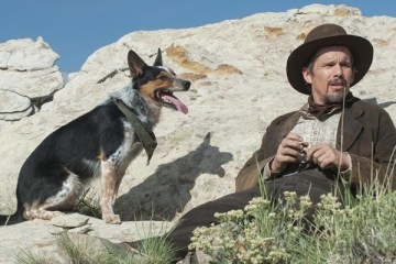 ethan-hawke-in-a-valley-of-violence-FilmLoverss