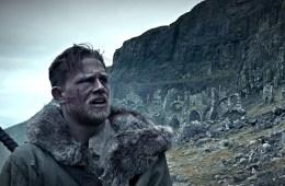 guy-ritchie-imzali-king-arthur-legend-of-the-sword-dan-yeni-fragman-yayinlandi-filmloverss