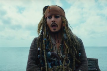 johnny-deppli-pirates-of-the-caribbean-dead-men-tell-no-tales-fragmani-yayinlandi-filmloverss