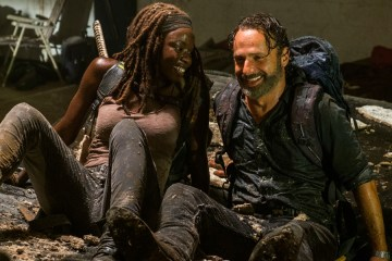 andrew-lincoln-the-walking-dead-8-sezon-daha-eglenceli-olacak-filmloverss