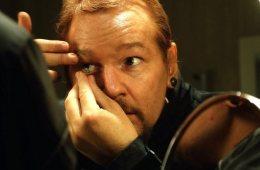 citizenfour-un-yonetmeni-laura-poitras-dan-julian-assange-in-hayatina-dair-carpici-bir-belgesel-risk-filmloverss