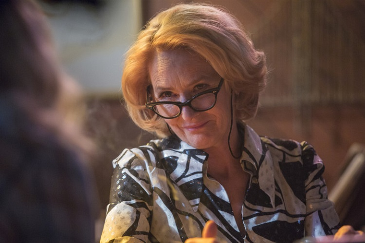 Melissa Leo as Goldie in I'M DYING UP HERE (Season 1, Episode 01). - Photo: Justina Mintz/SHOWTIME - Photo ID: IDUH_101_6394.R