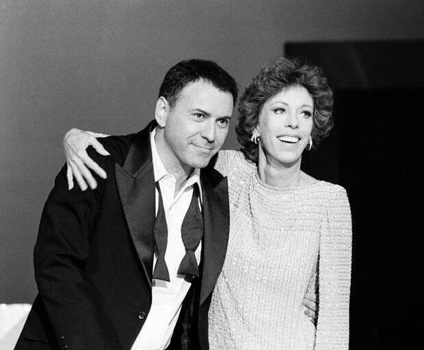 Alan Arkin ve Carol Burnett