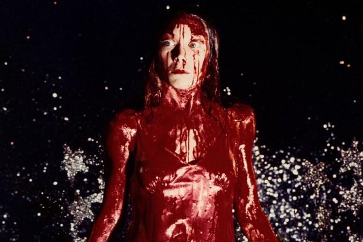 2-dakikada-sinemada-siddet-tehlikenin-bir-temsili-olarak-kirmizi-rengin-kullanimi-2-filmloverss