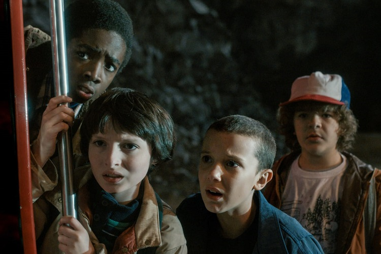 Stranger-things-3-sezon-8-bolum-olacak-FilmLoverss