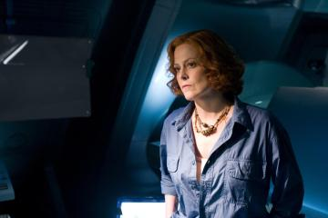still-of-sigourney-weaver-in-avatar-(2009)