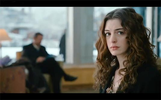 In Love and Other Drugs, Anne Hathaway plays Maggie, an alluring free spirit
