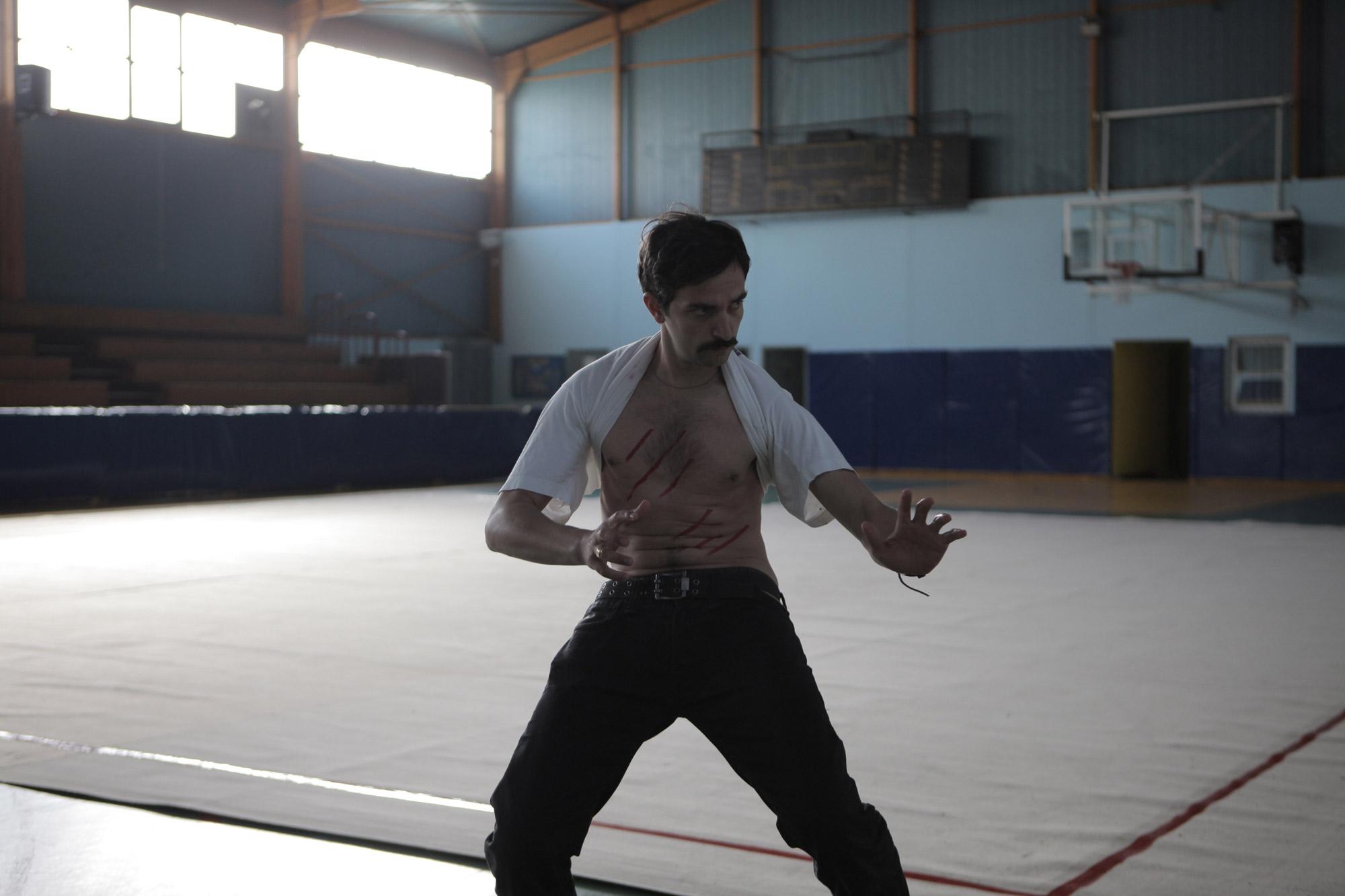 https://i2.wp.com/www.filmofilia.com/wp-content/uploads/2011/08/Yorgos-Lanthimos-Alps-Movie-Photo.jpg