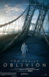 Oblivion poster met Tom Cruise op brug