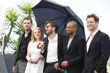 """The cast & director Ruben Östlund at """"The Square"""" photocall. (Source: Festival de Cannes)"""