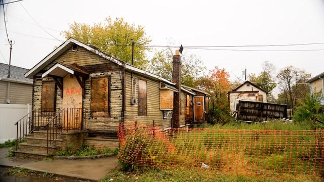 DSC03271_abandoned houses