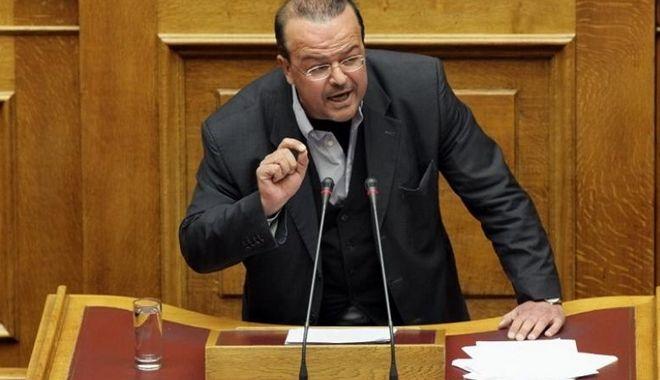 Νεολαία ΣΥΡΙΖΑ:Κακόγουστο αστείο οι προτάσεις του κ. Τριανταφυλλίδη για την παιδεία