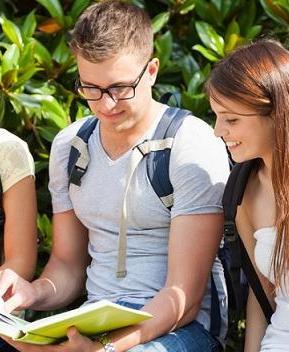 Να μην κλείνουμε τα μάτια στα εξωσχολικά προβλήματα των μαθητών
