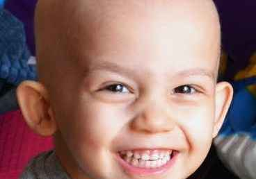 Ο τρίχρονος Παντελής ΝΙΚΗΣΕ τον καρκίνο σε χώρα που θεωρεί ΝΙΚΗ… το Τζόκερ!