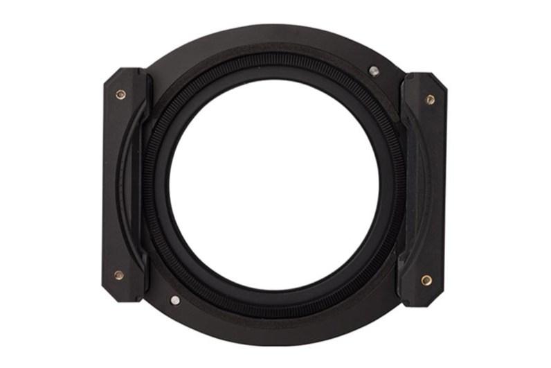 Vooraanzicht Benro-filterhouder. In de gekartelde ring wordt het polarisatiefilter geplaatst.