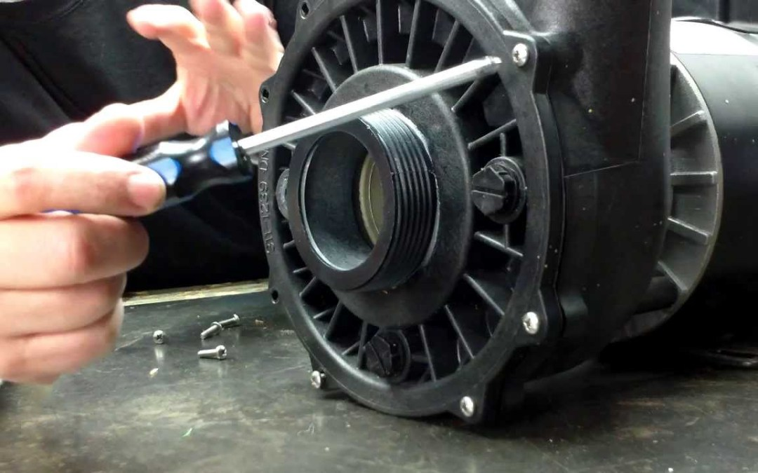 Comment remplacer une pompe spa ?
