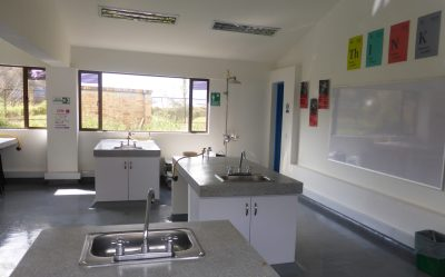 One of KSI Bogotá's science lab classrooms