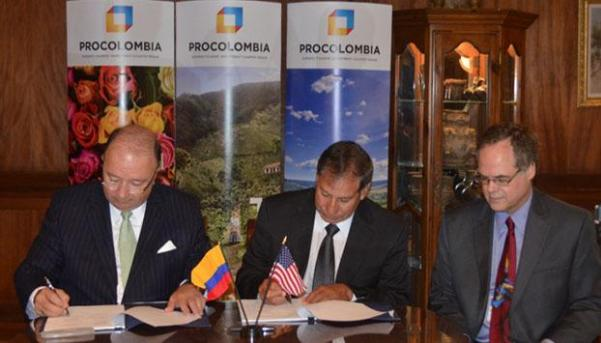 Ambassador Luis Carlos Villegas, U.S. Under Secretary of Agriculture Edward Avalos and Alan Dowdy, Assistant Deputy Administrator, APHIS during the signing ceremony. Photo: Embassy of Colombia.