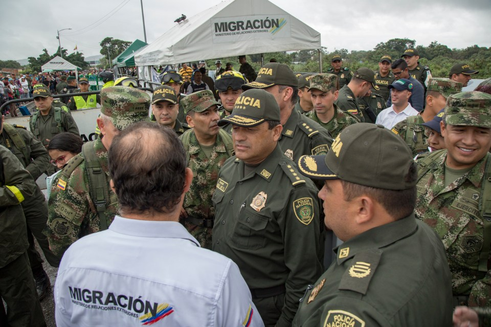 Police and migration officials work together in Cúcuta. (Credit: National Police of Colombia)